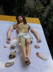 DAMAGED IMAGE OF JESUS CHRIST....